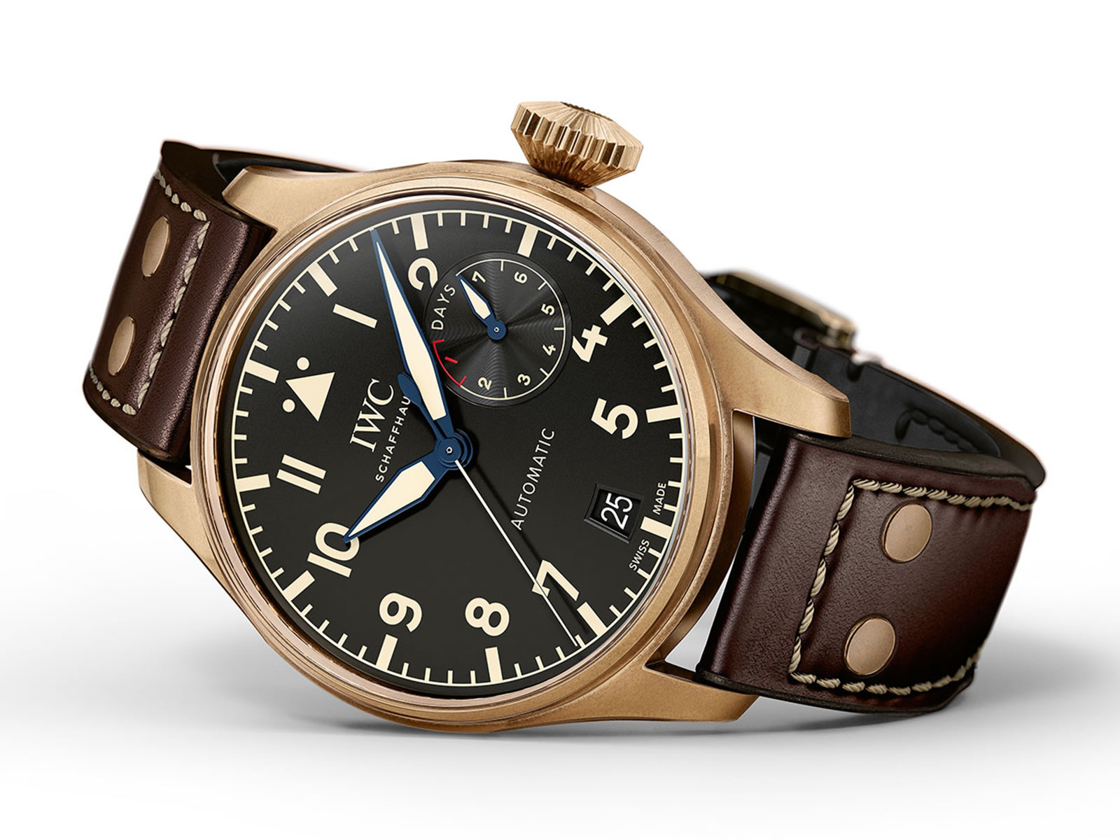 iw501005-iwc-big-pilots-watch-heritage-bronze-1-.jpg