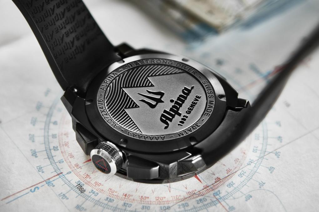 Alpina-Seastrong-Diver-2.JPG