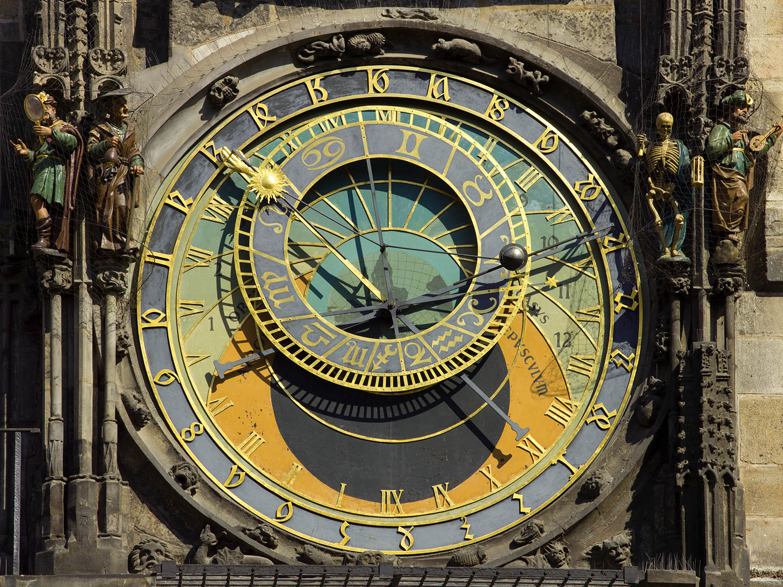 astronomical-clocks-prague-orloj-2.jpg