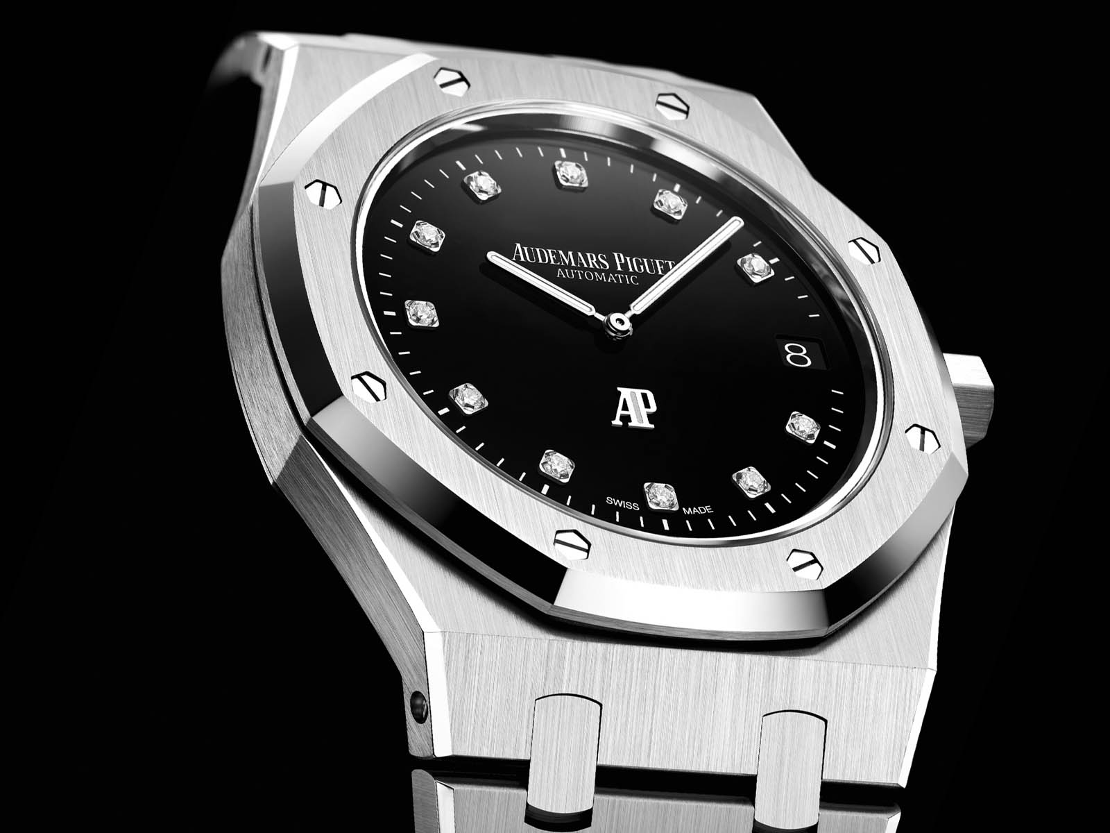 15206pt-oo-1240pt-01-audemars-piguet-royal-oak-jumbo-extra-thin-platinum-2.jpg