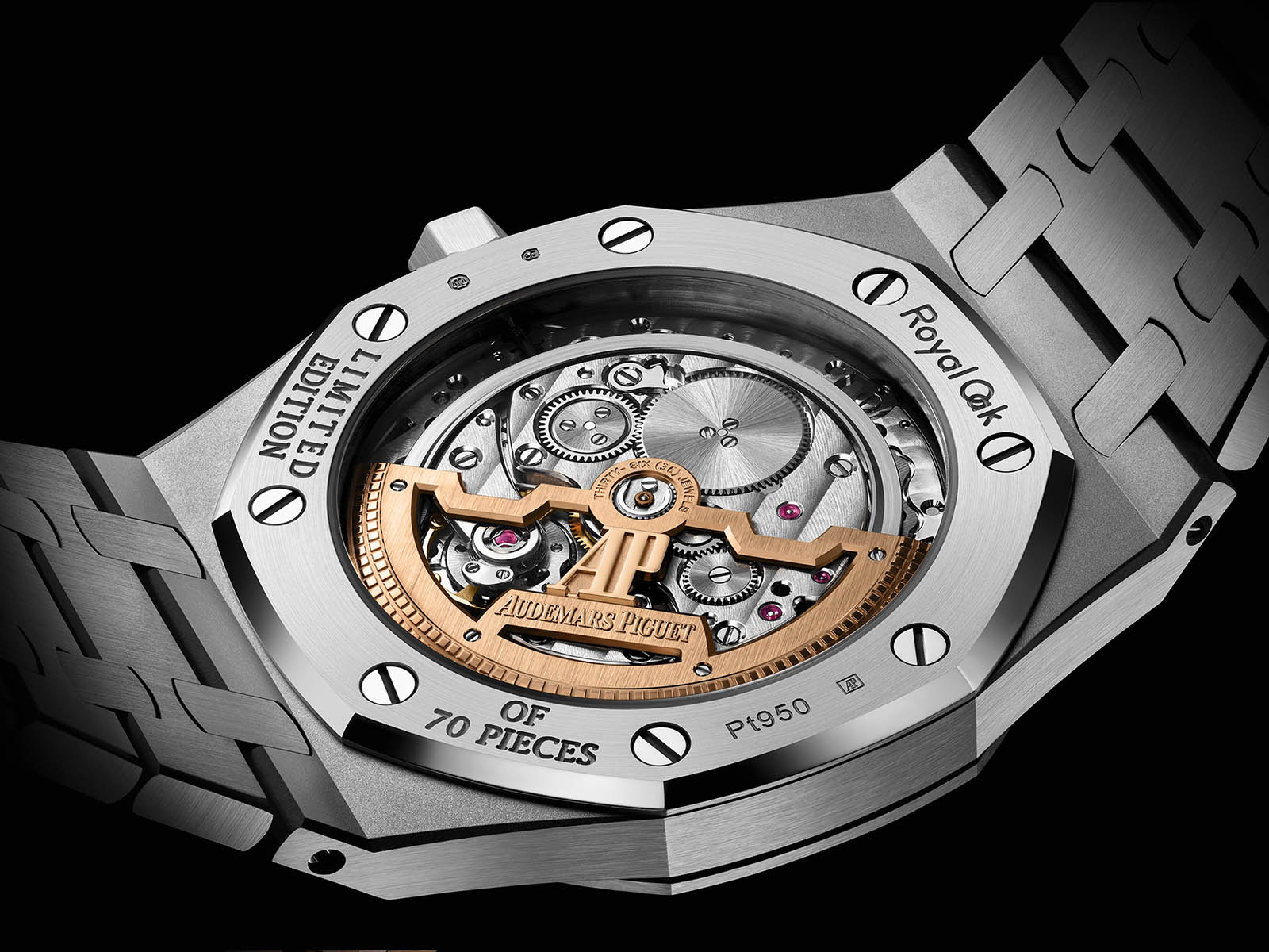 15206pt-oo-1240pt-01-audemars-piguet-royal-oak-jumbo-extra-thin-platinum-4.jpg