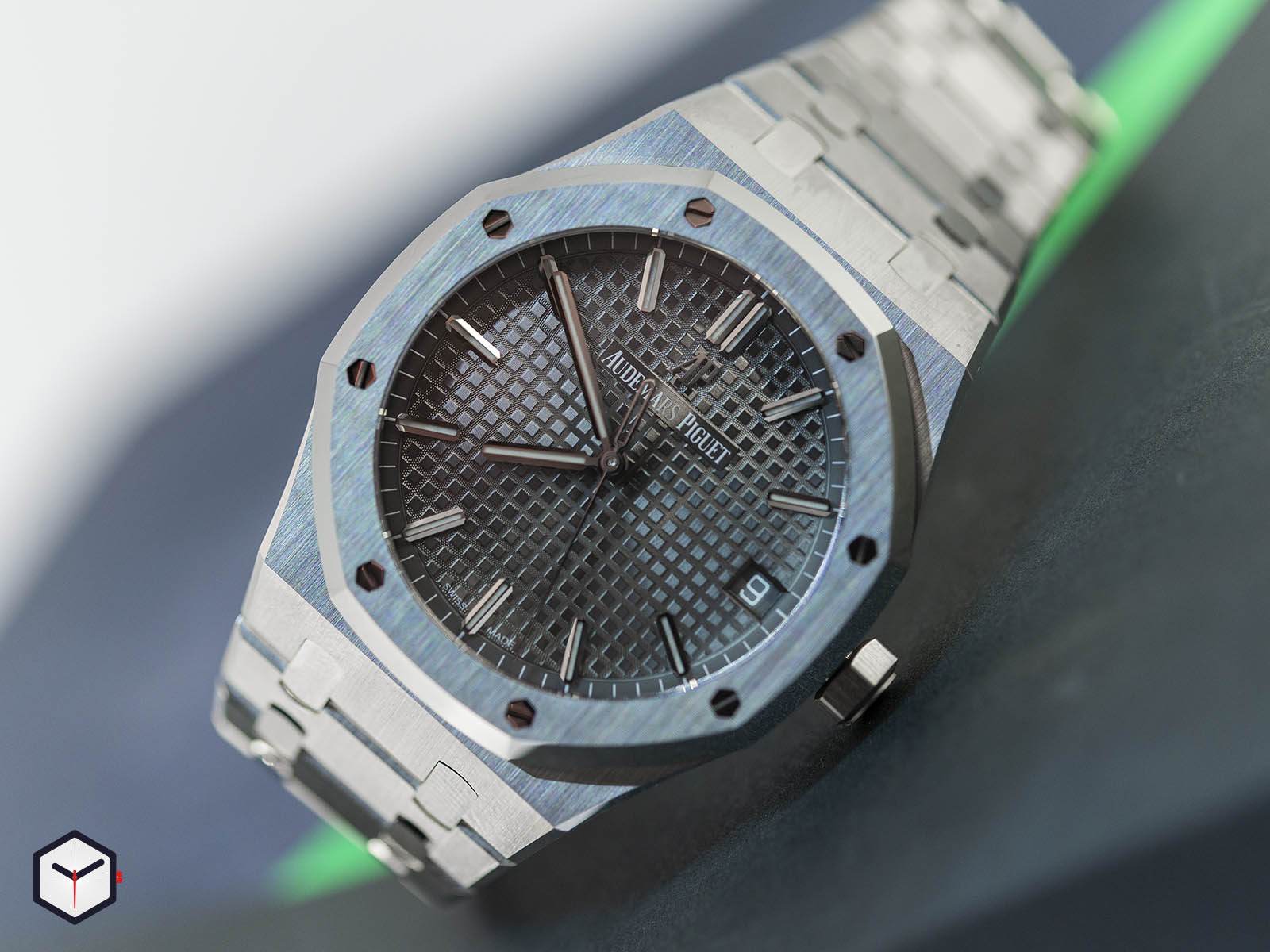 15500-audemars-piguet-royal-oak-sihh-2019-2.jpg