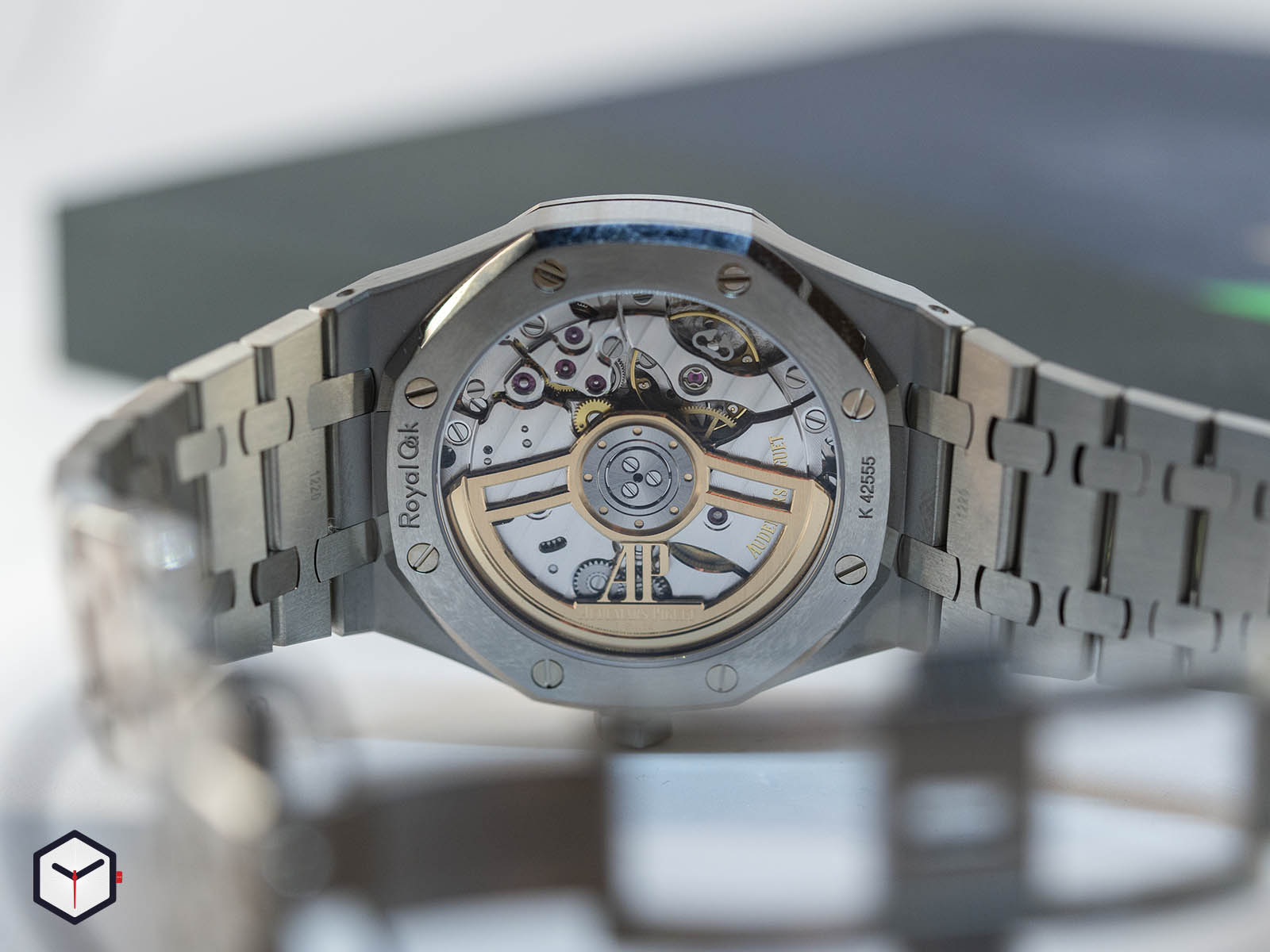 15500-audemars-piguet-royal-oak-sihh-2019-4.jpg
