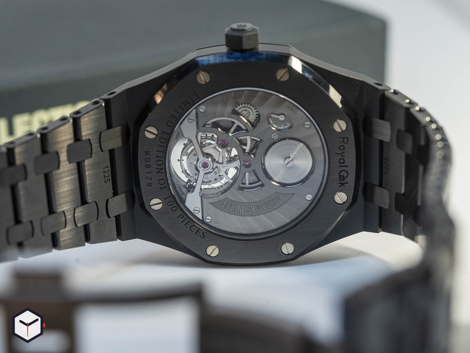 audemars-piguet-royal-oak-tourbillon-extra-thin-black-ceramic-6.jpg
