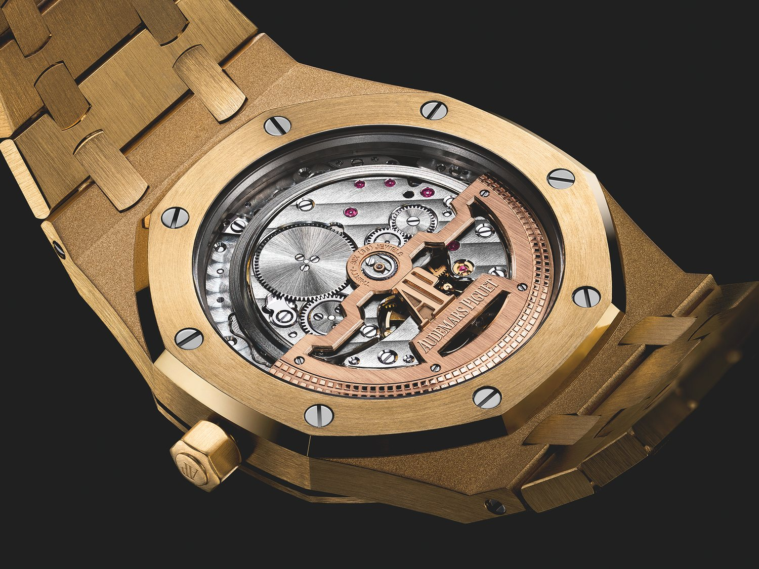 Audemars-Piguet-Yellow-Gold-15202-Jumbo-3.jpg
