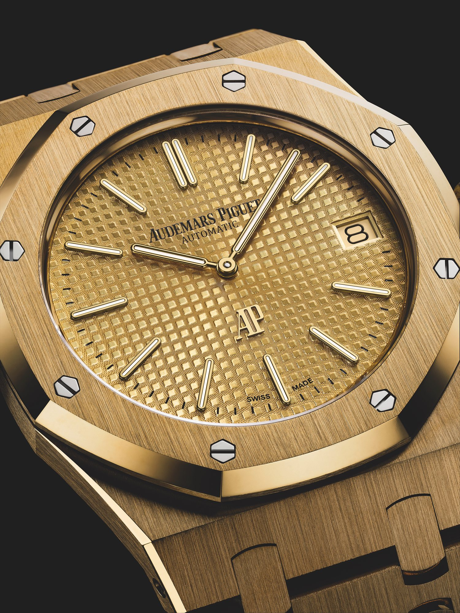 Audemars-Piguet-Yellow-Gold-15202-Jumbo-4.jpg