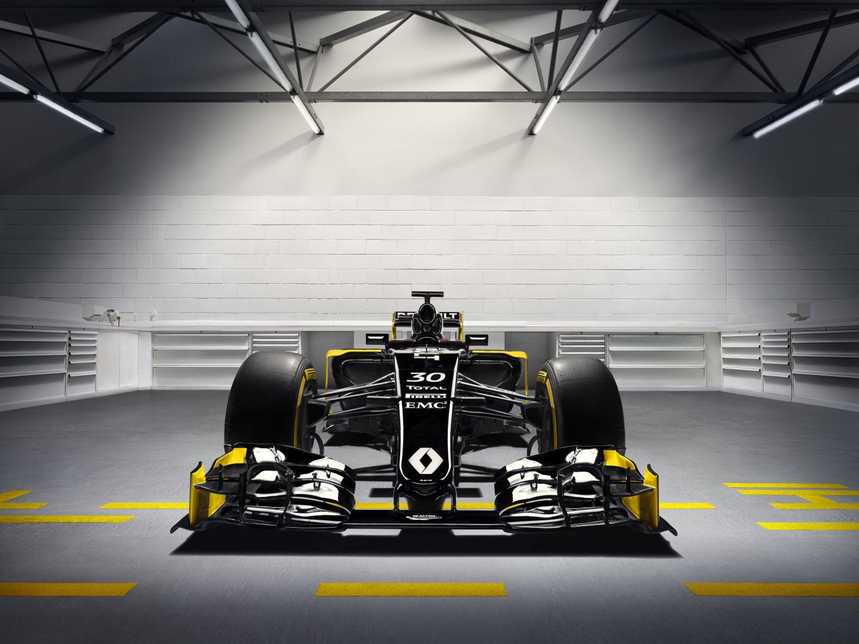 Renault-Sport_Bell-Ross_2.jpg