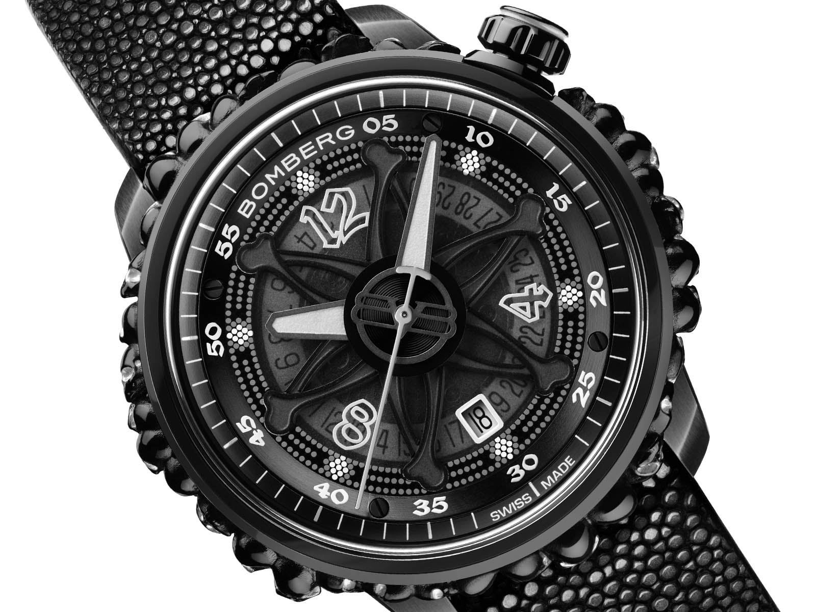 ct43apba-25-1-11-bomberg-gothic-bb-01-automatic-black-catacomb-limited-edition-3.jpg