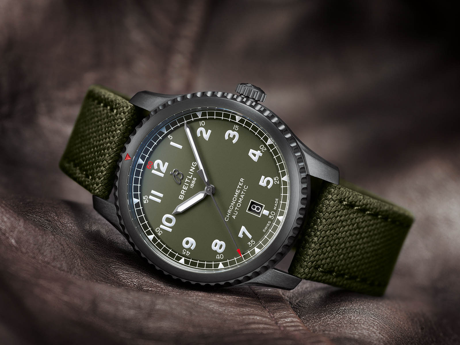 m173152a-breitling-aviator-8-automatic-41-curtiss-warhawk-1.jpg