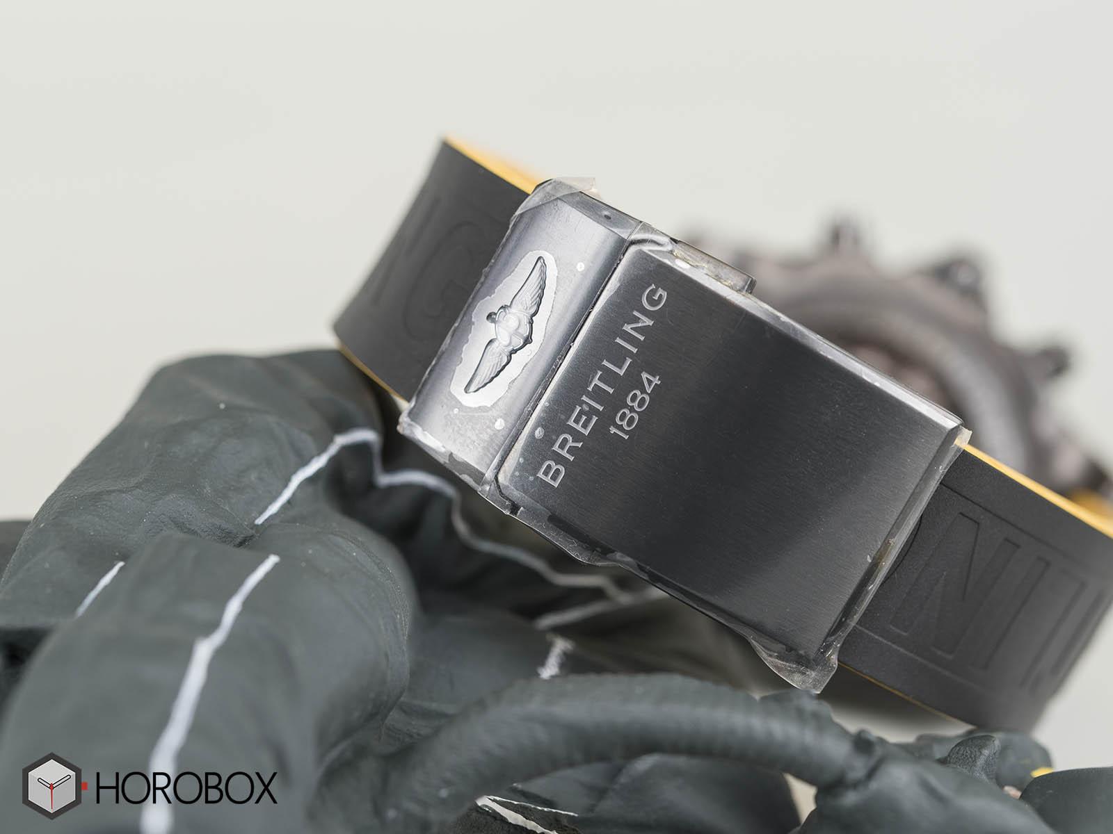 Breitling-Chronomat-44-Blacksteel-Special-Edition-8.jpg