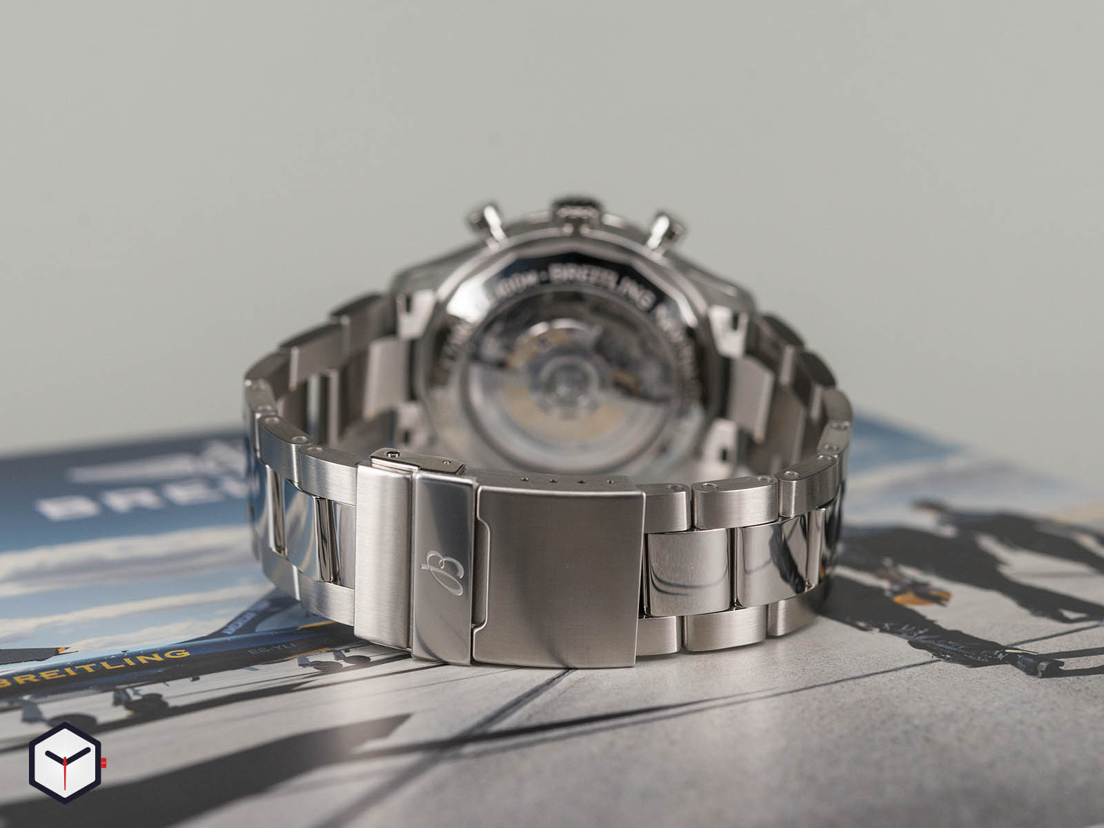 ab0117131b1a1-breitling-navitimer-8-b01-chronograph-7.jpg