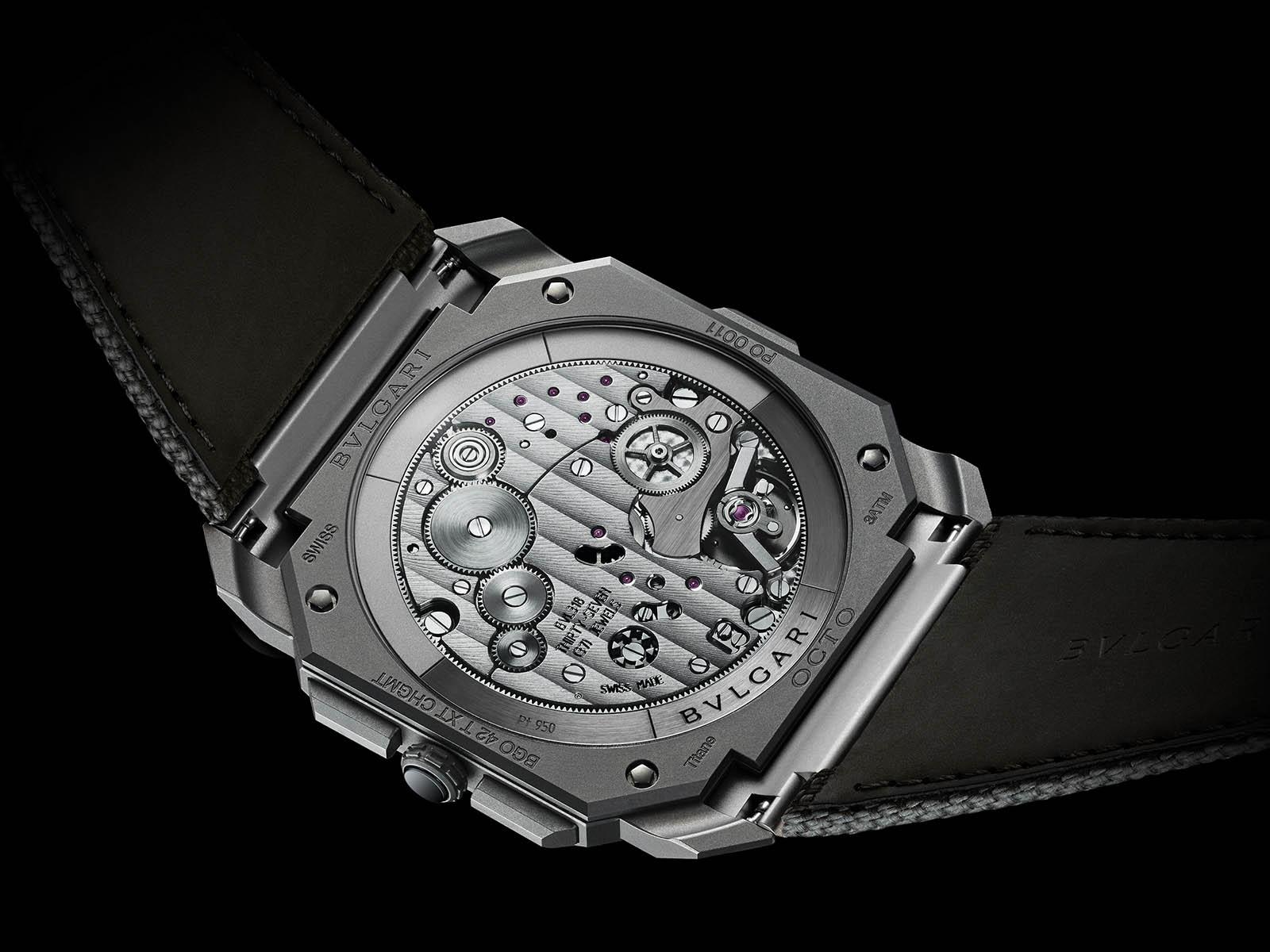 bulgari-octo-finissimo-chronograph-gmt-titanium-lvmh-2021-novelties-3.jpg