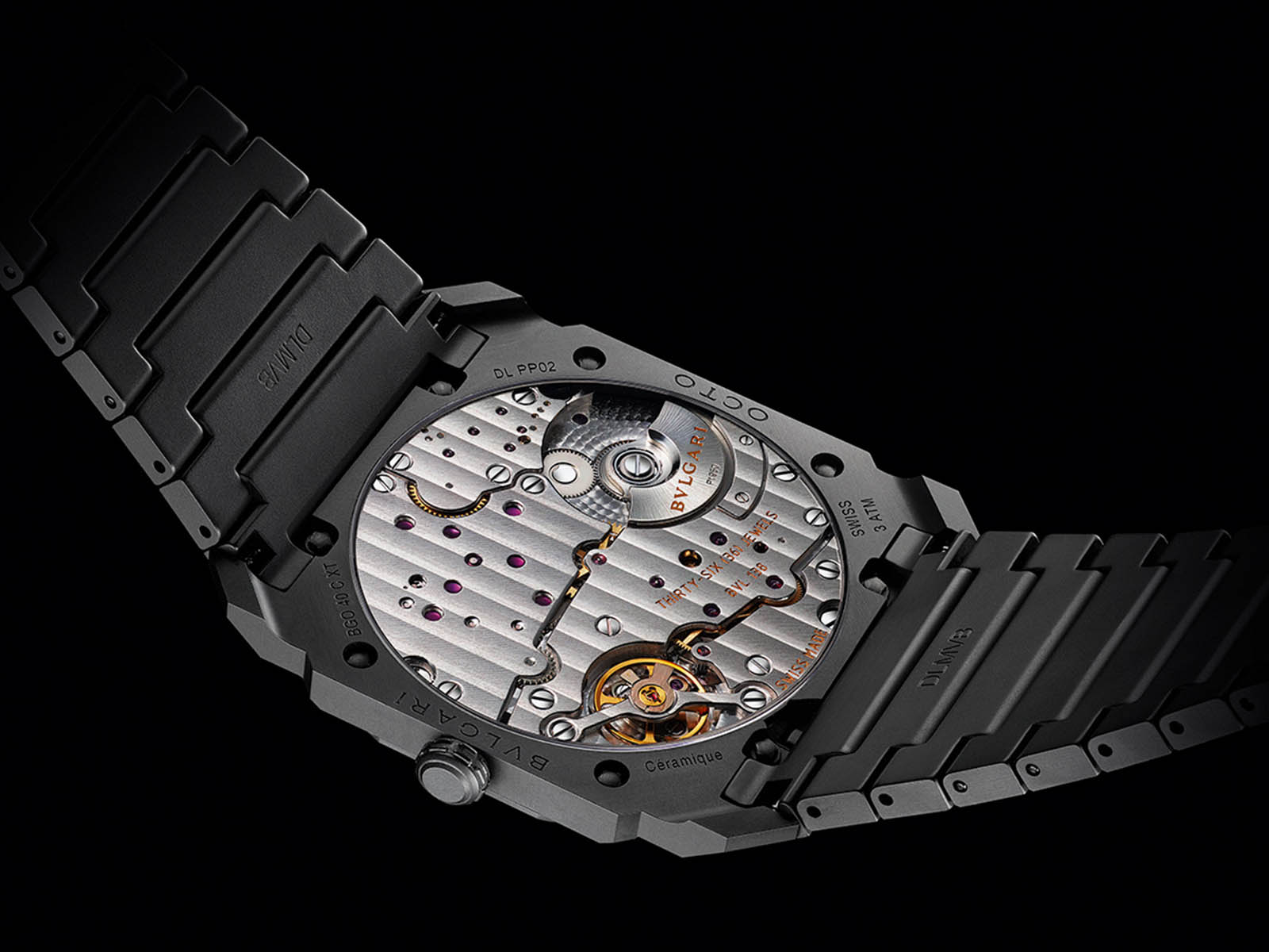 bulgari-octo-finissimo-automatic-ceramic-2.jpg