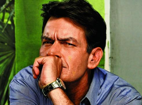 Charlie-Sheen-regroups-in-Anger-Management-BU1O28QP-x-large.jpg