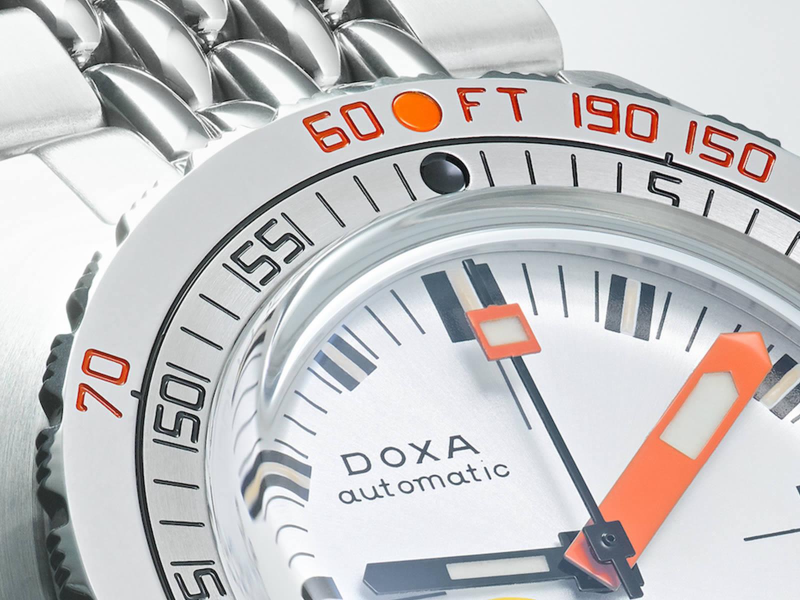 doxa-sub-300-searambler-silver-lung-7-.jpg