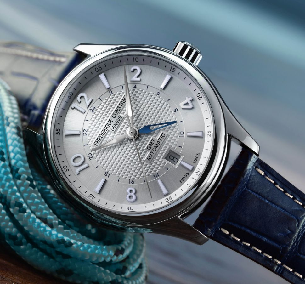 Frederique-Constant-Runabout-Riva-2.jpg