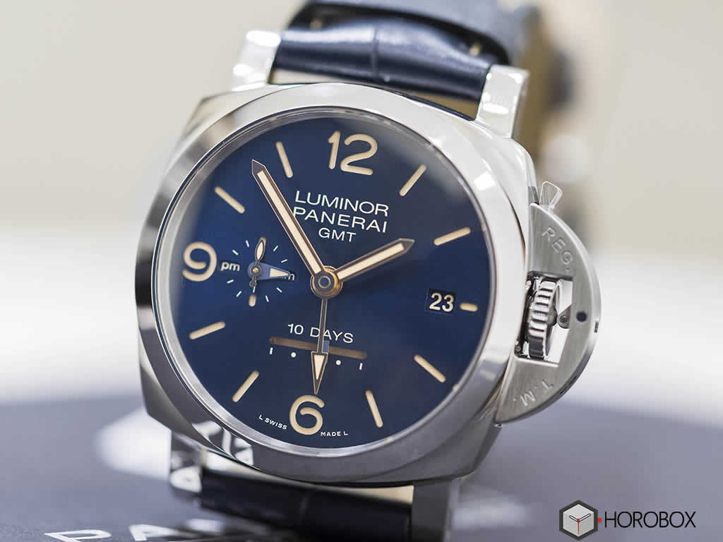 Officine-Panerai-Luminor-1950-GMT-PAM689-2.jpg