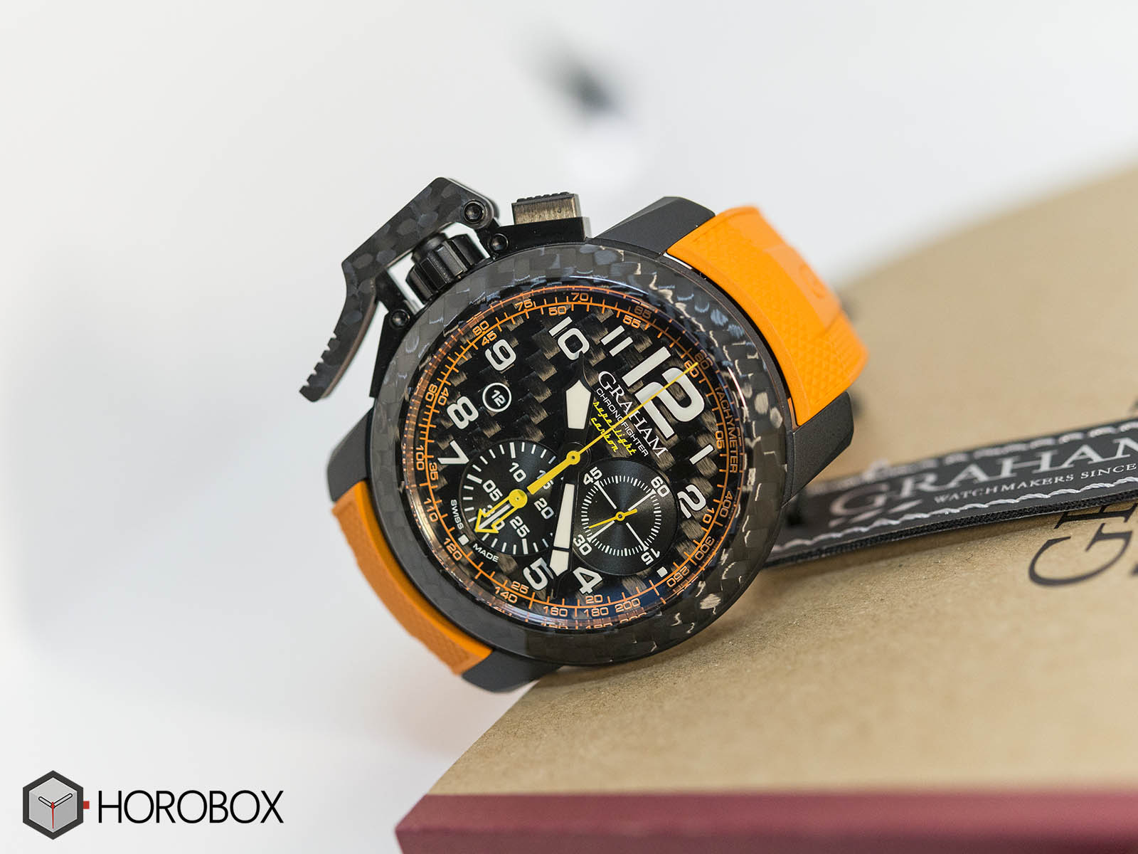 Graham-Chronofighter-Superlight-Carbon-1.jpg