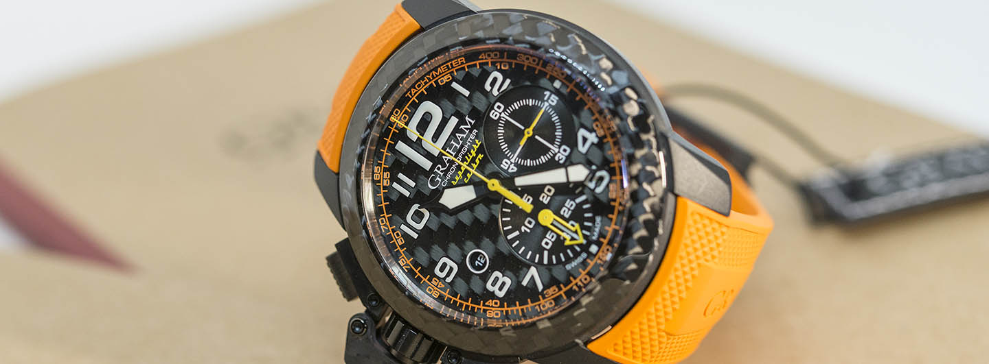 Graham-Chronofighter-Superlight-Carbon-2.jpg