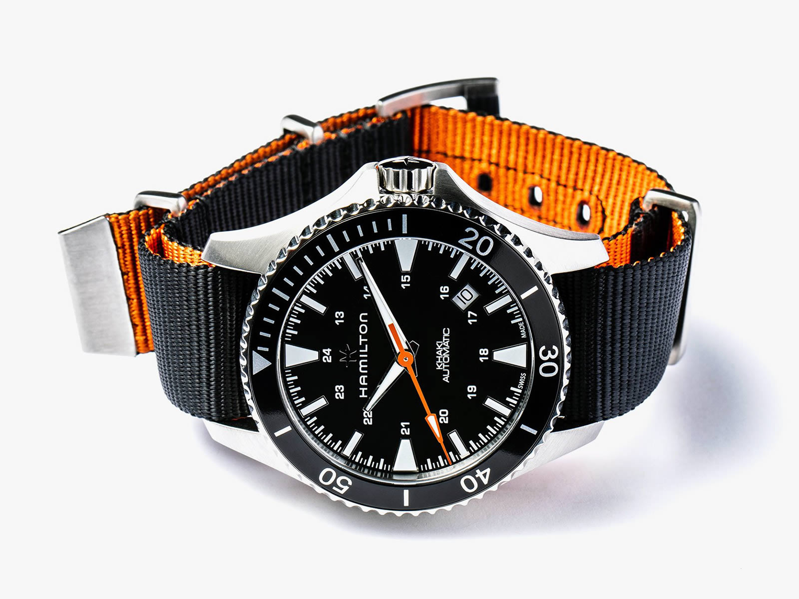 h82335031-hamilton-khaki-navy-scuba-auto-gear-patrol-special-edition-8-.jpg