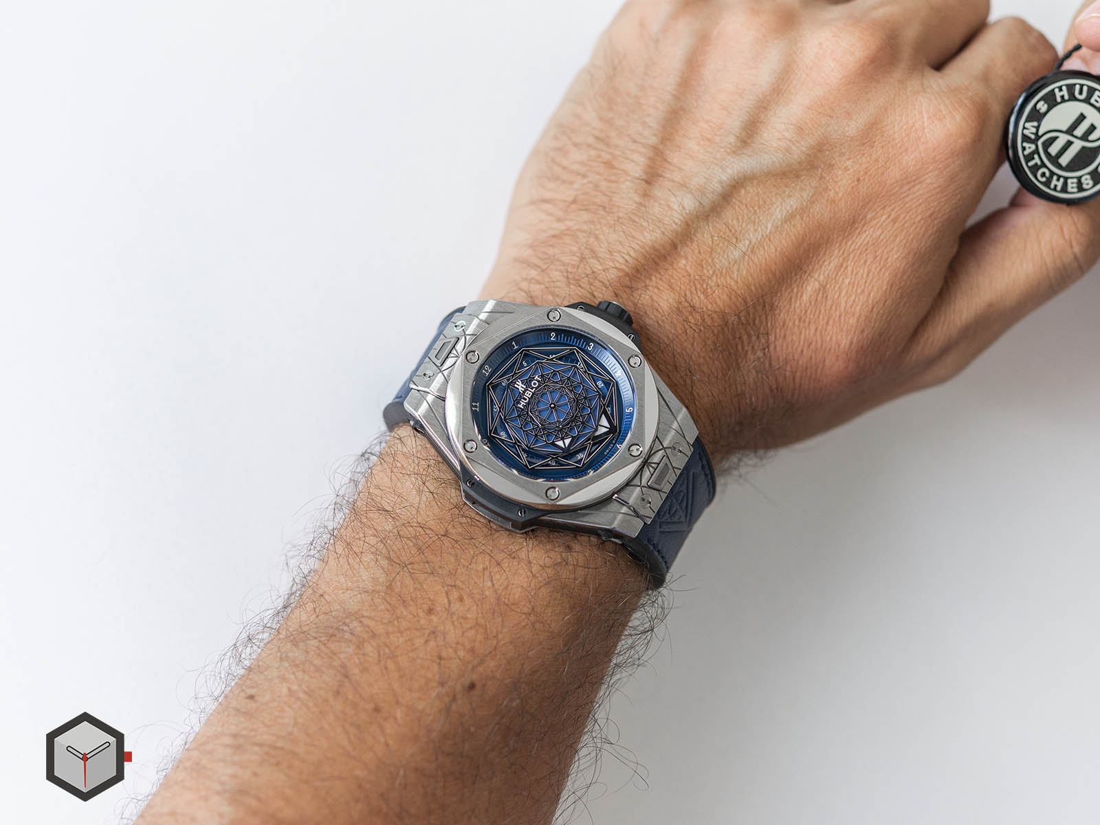 415-nx-7179-vr-mxm18-hublot-big-bang-sang-bleu-titanium-blue-10.jpg
