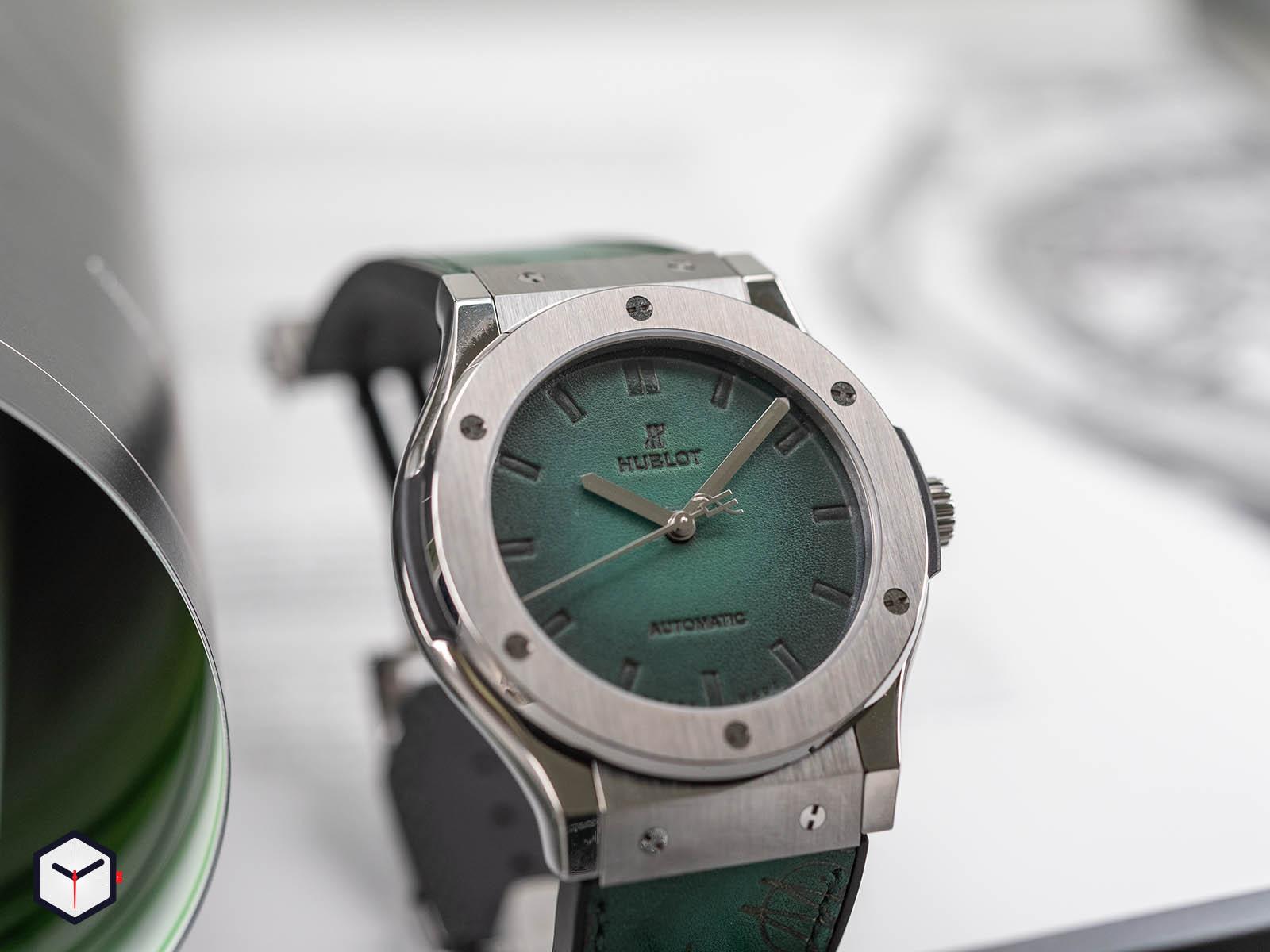 hublot-classic-fusion-berluti-scritto-emerald-green-2.jpg