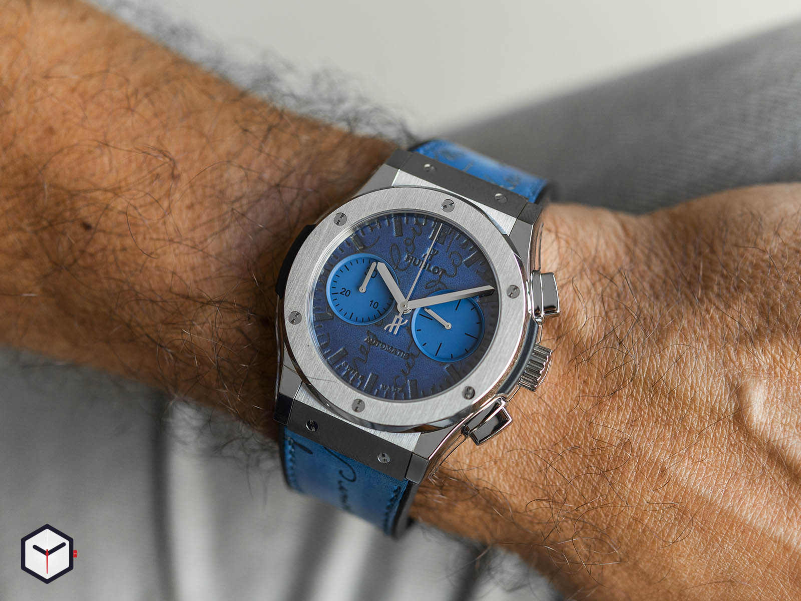 521-nx-050b-vr-ber18-hublot-classic-fusion-chronograph-berluti-scritto-ocean-blue-45mm-10.jpg