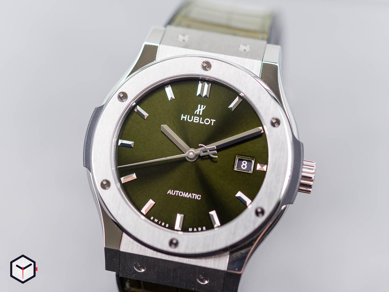 565-nx-8970-lr-hublot-classic-fusion-green-titanium-38mm-1.jpg