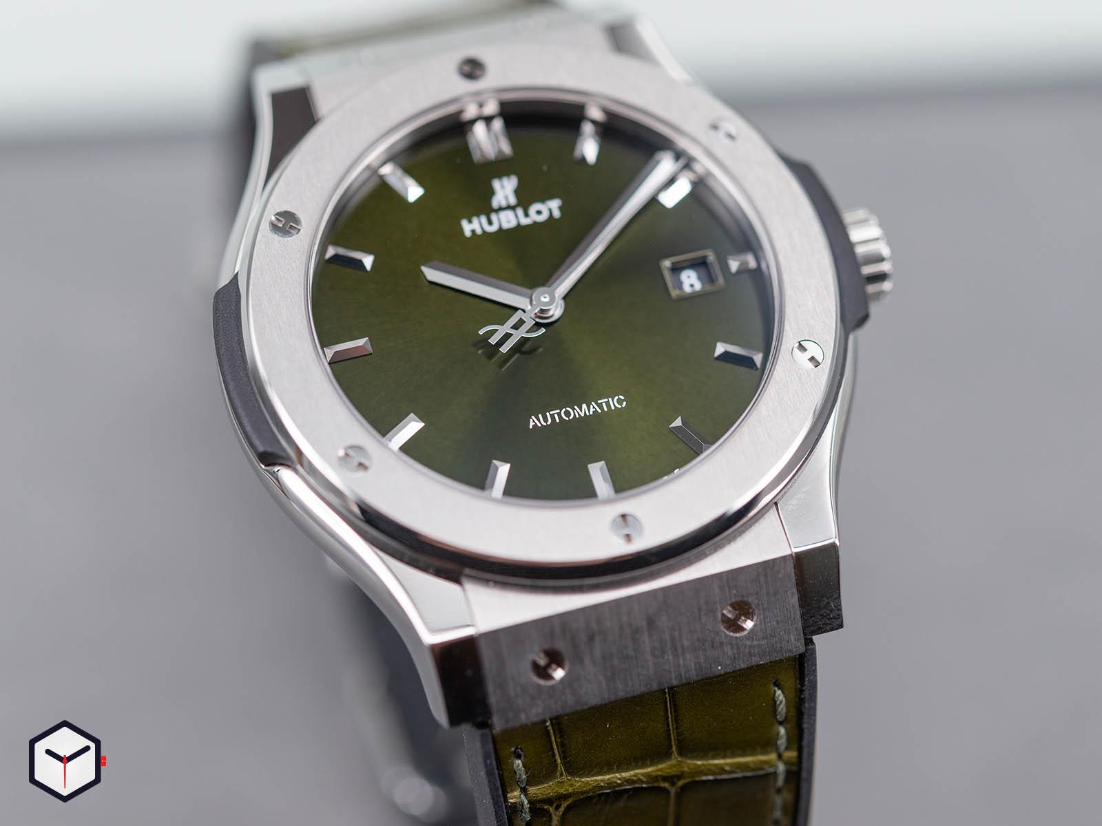 565-nx-8970-lr-hublot-classic-fusion-green-titanium-38mm-2.jpg