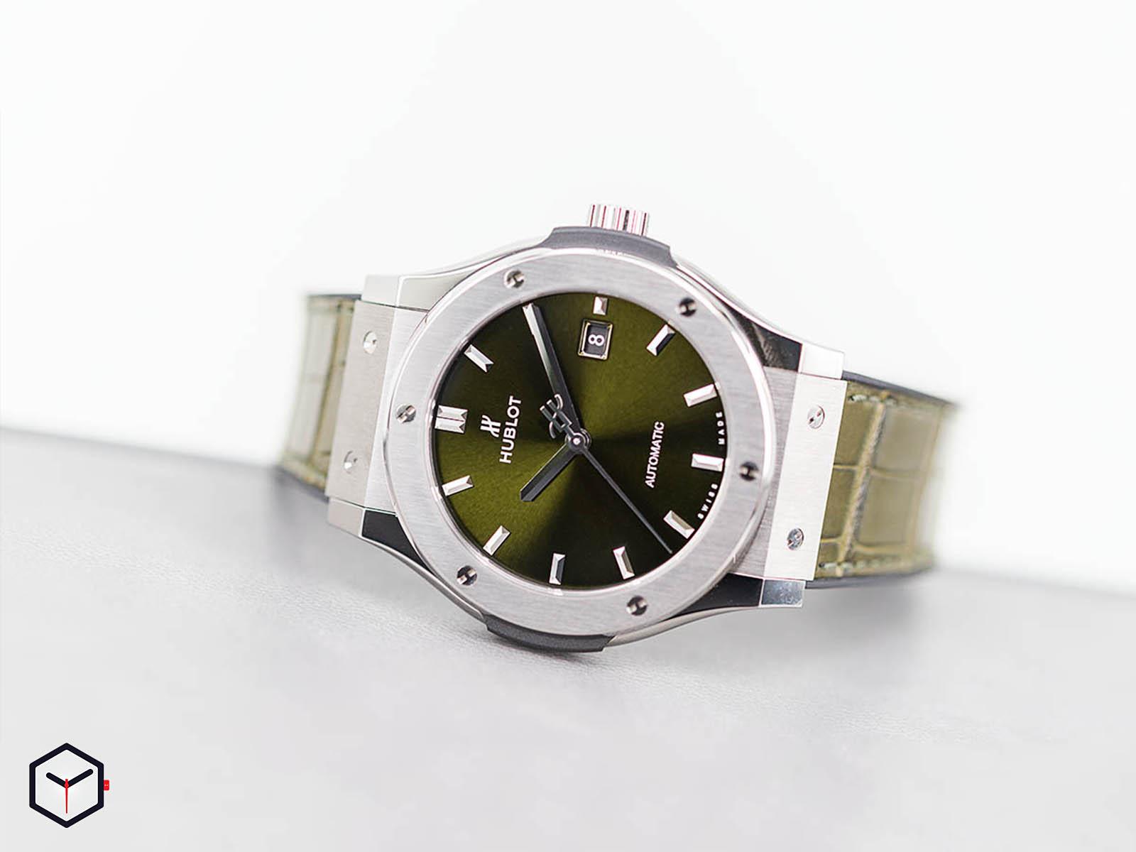 565-nx-8970-lr-hublot-classic-fusion-green-titanium-38mm-9.jpg