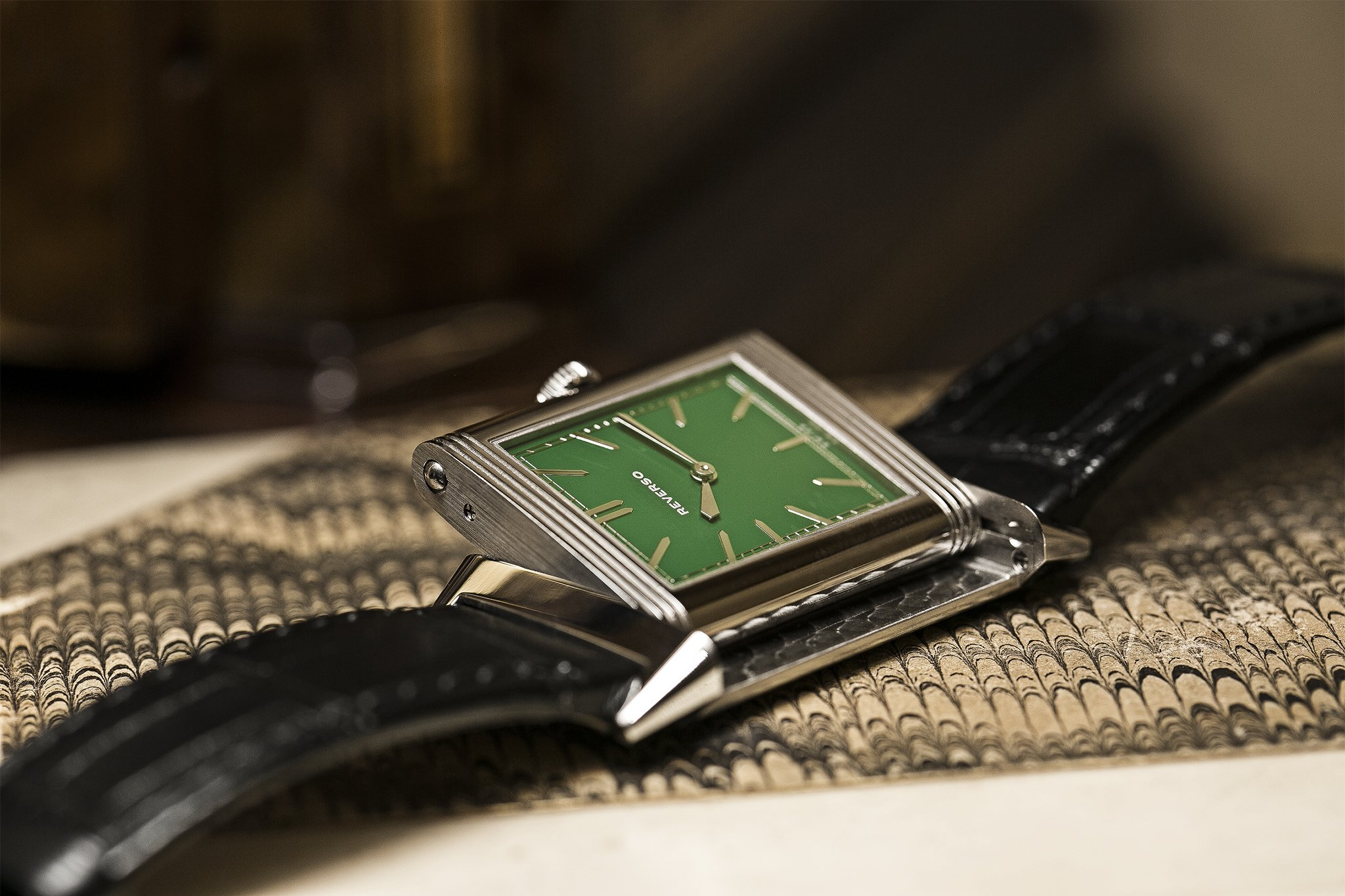 Jaeger-LeCoultre-Green-Grande-Reverso-Ultra-Thin-1931-Watch-For-London-Open.jpg