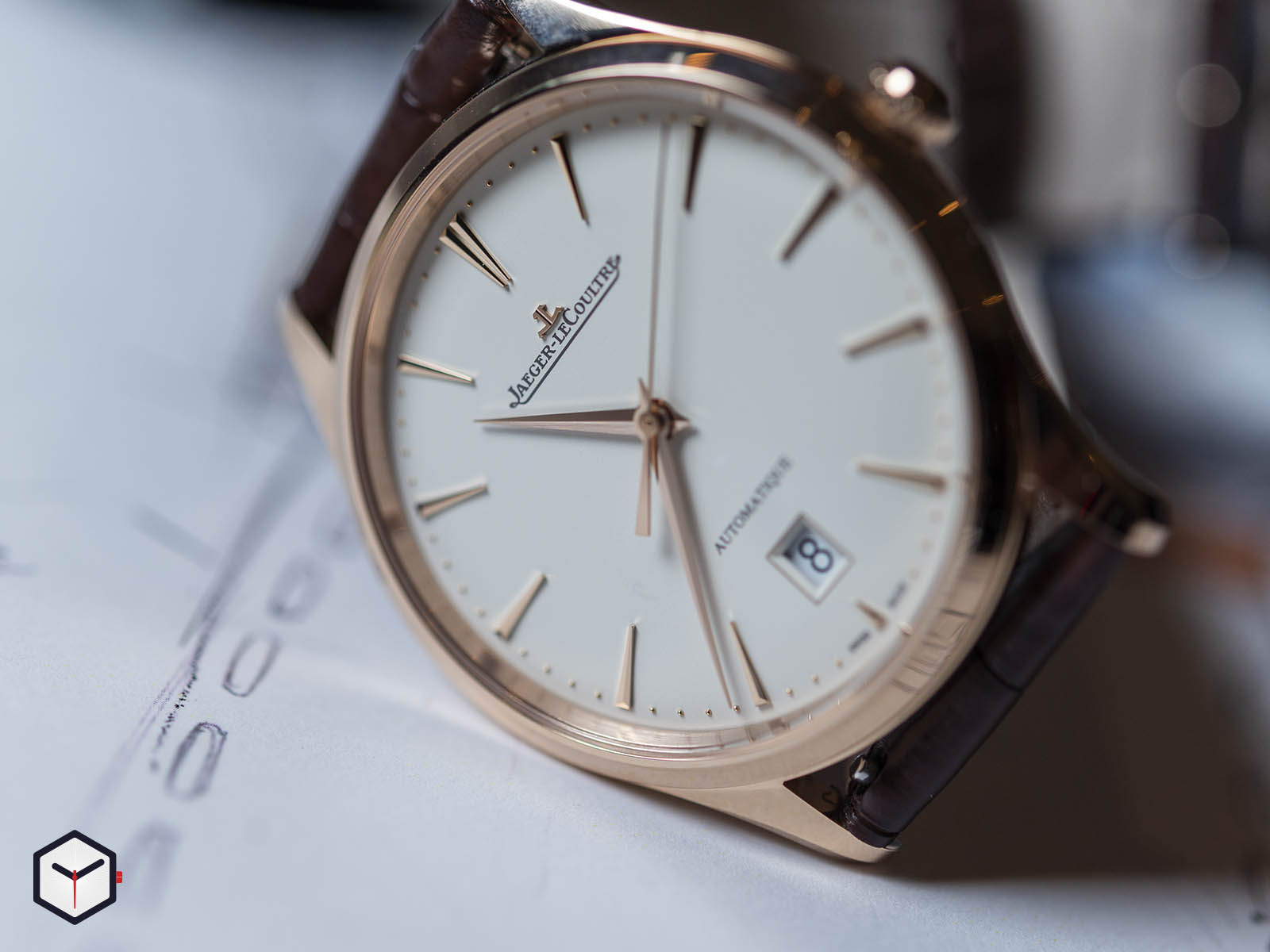 1232510-jaeger-lecoultre-master-ultra-thin-date-sihh-2019-2.jpg