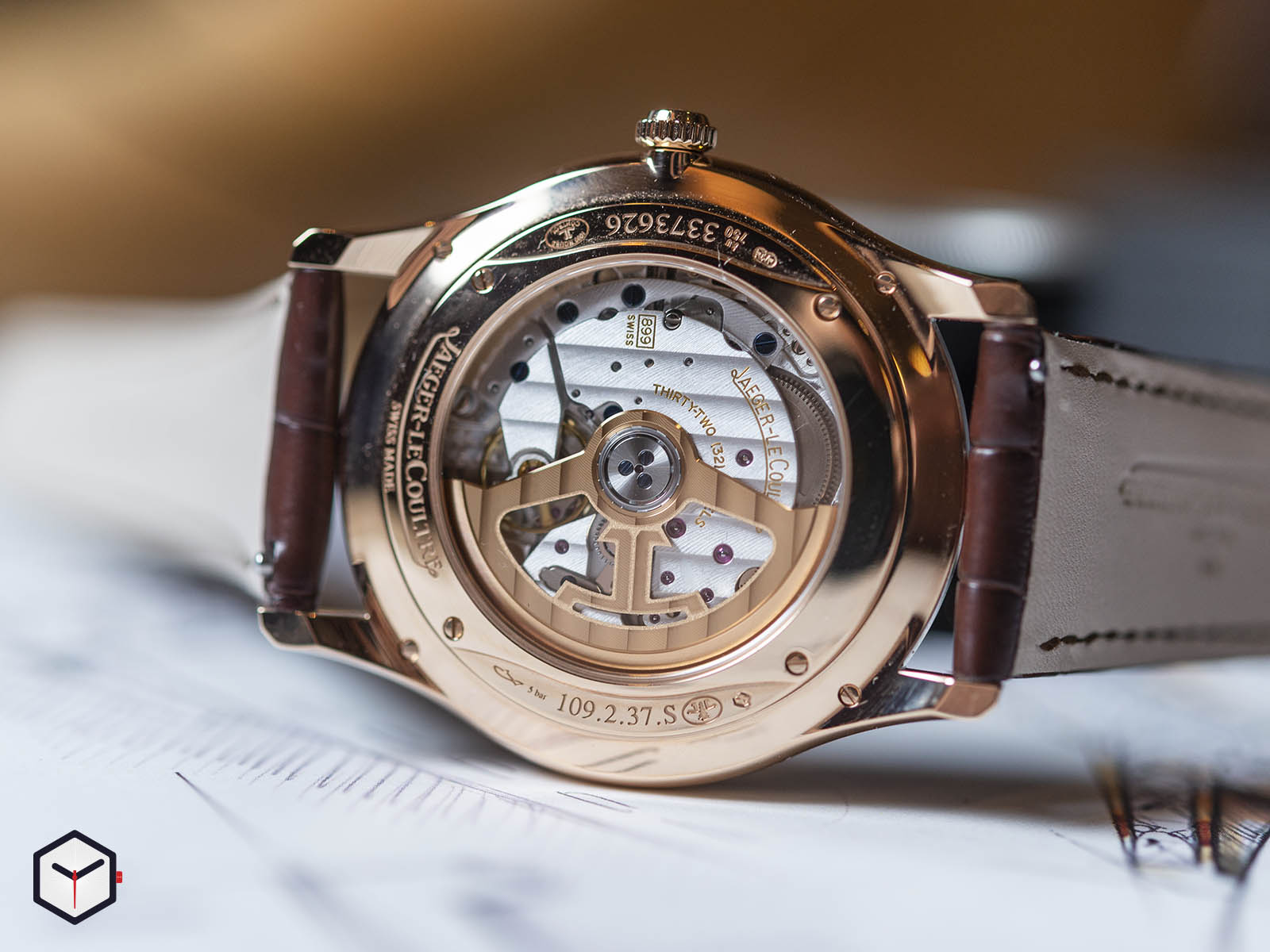 1232510-jaeger-lecoultre-master-ultra-thin-date-sihh-2019-4-.jpg