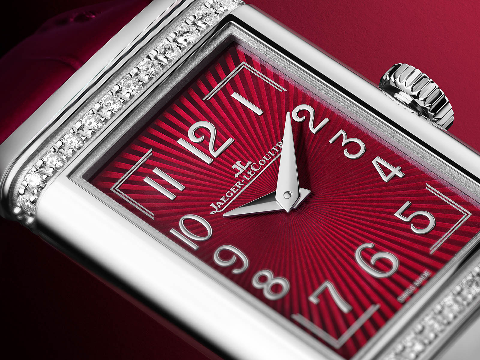 q3288560-jaeger-lecoultre-reverso-one-red-wine-3.jpg