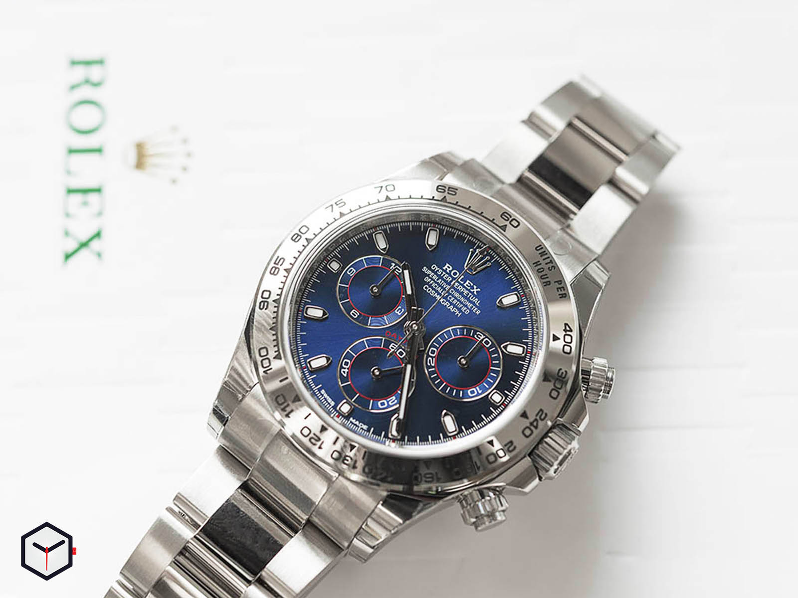 116509-rolex-daytona-white-gold-blue-dial.jpg
