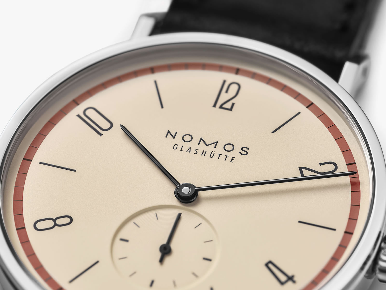 165-s4-nomos-glashutte-tangente-bauhaus-3-.jpg