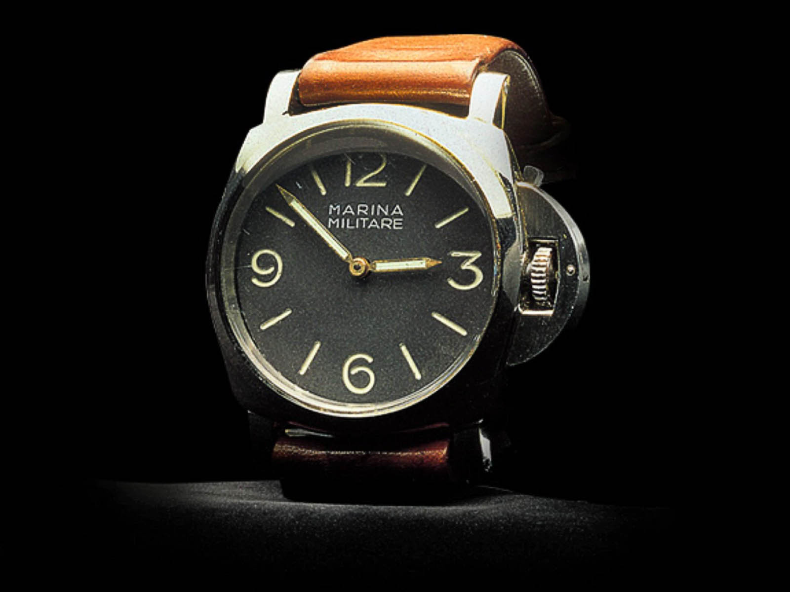 panerai-history-luminor-1950-luminor-case.jpg