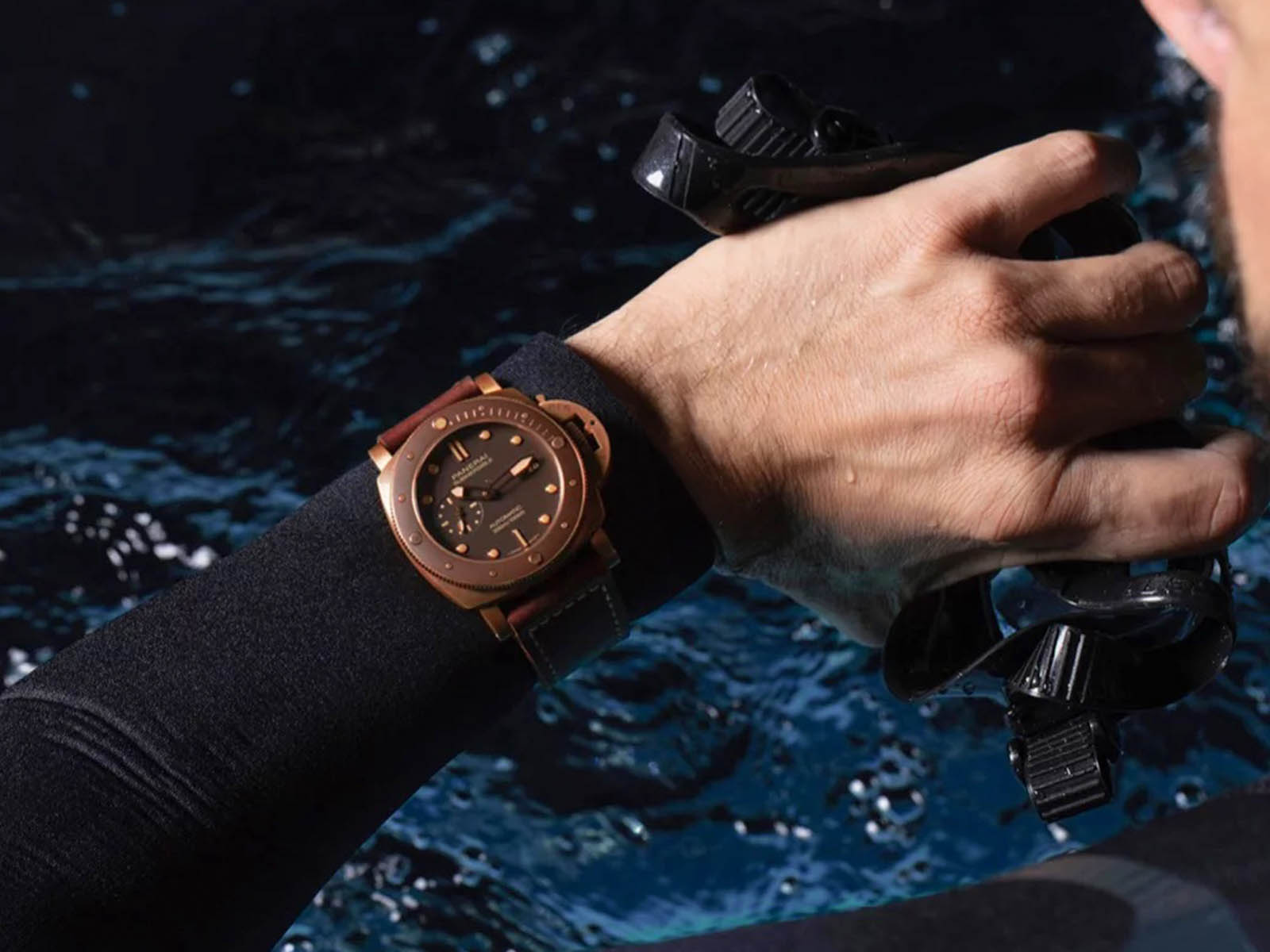 pam00968-officine-panerai-submersible-bronzo-47mm-9.jpg
