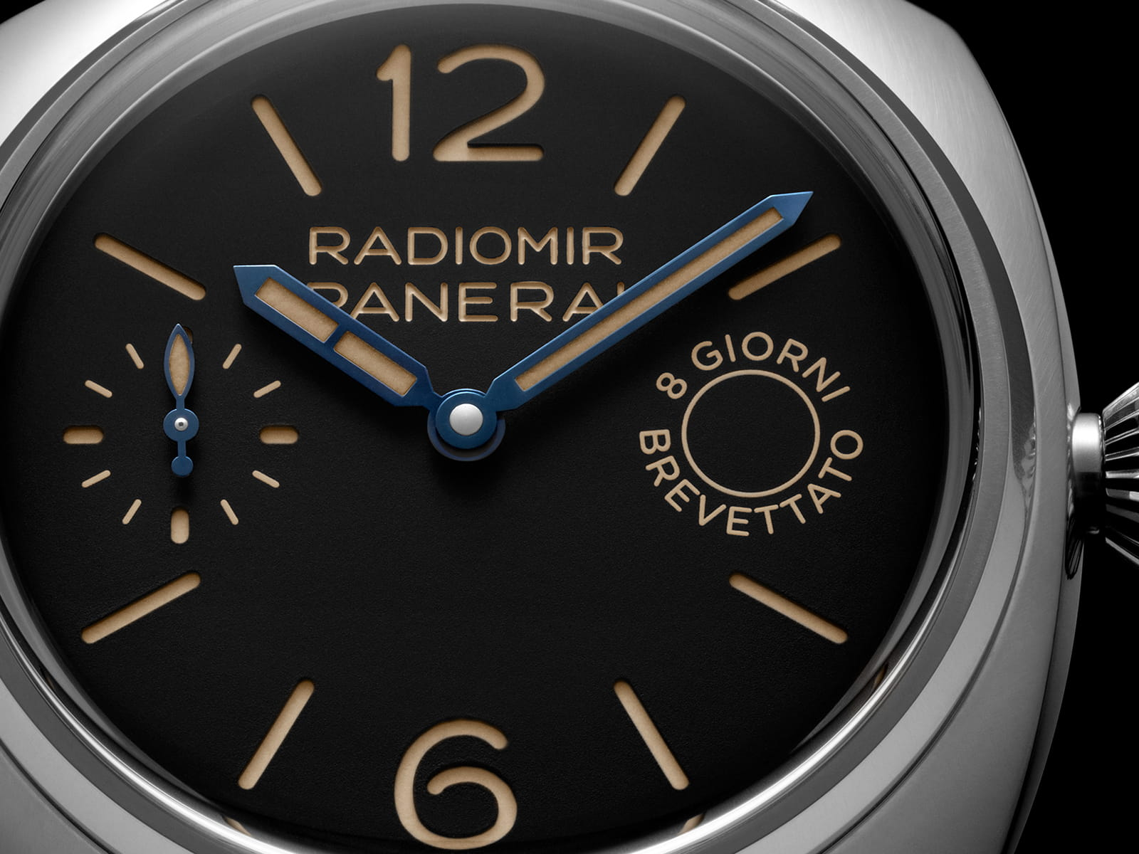 pam00992-panerai-radiomir-8-days-45-mm-4.jpg