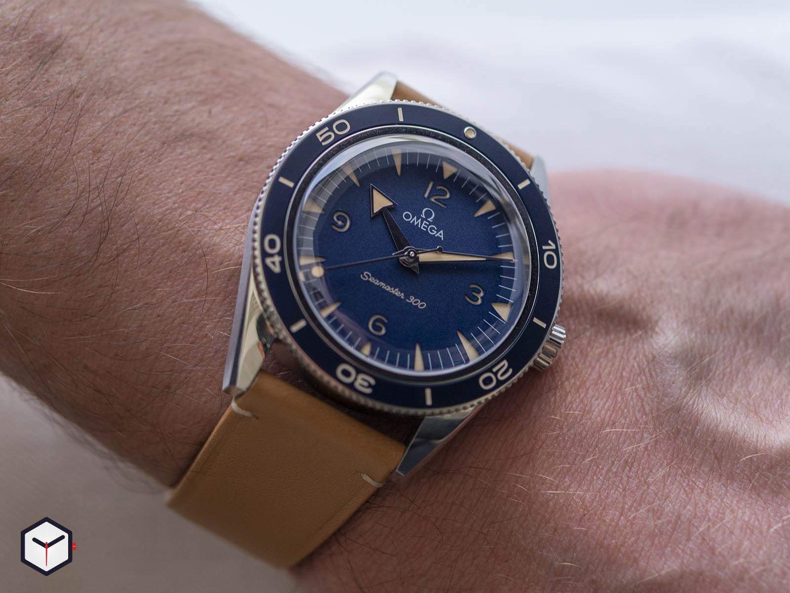 omega-seamaster-300-co-axial-master-chronometer-41mm-2.jpg