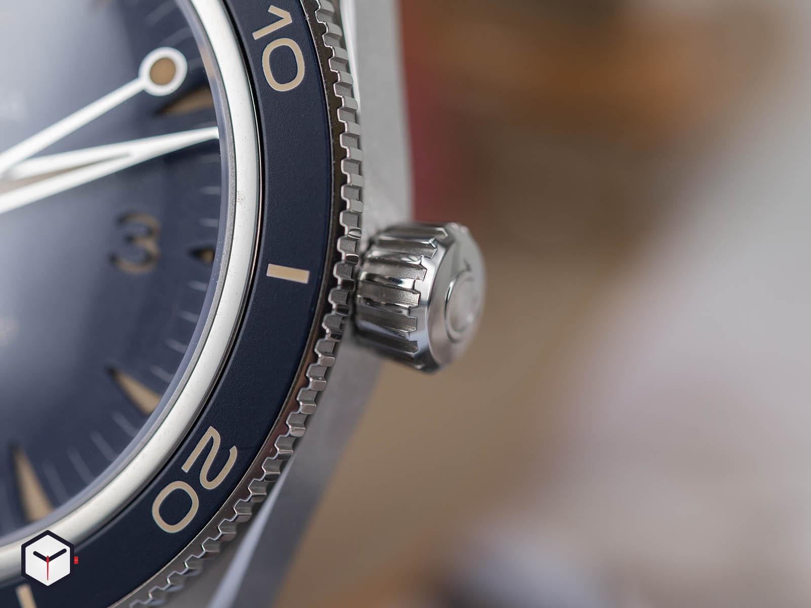omega-seamaster-300-co-axial-master-chronometer-41mm-5.jpg