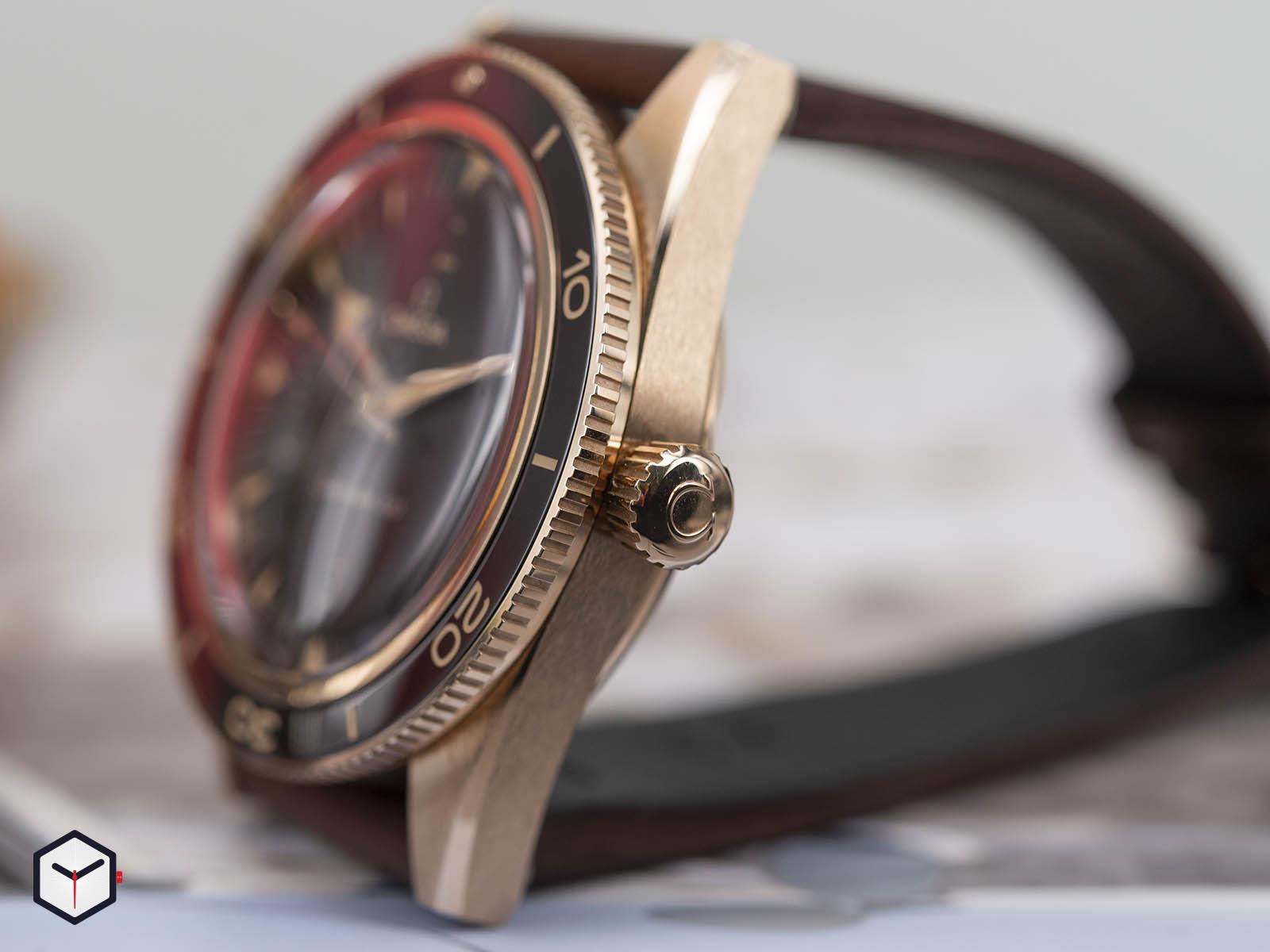 omega-seamaster-300-co-axial-master-chronometer-41mm-7.jpg