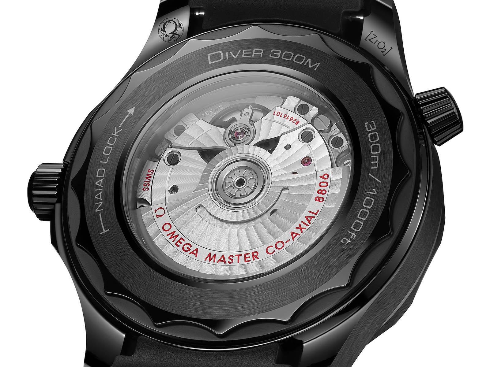210-92-44-20-01-003-omega-seamaster-300-diver-black-black-5.jpg
