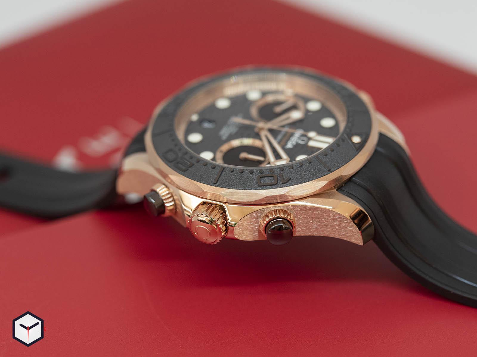 210-62-44-51-01-001-omega-seamaster-diver-300m-co-axial-master-chronometer-chronograph-3.jpg