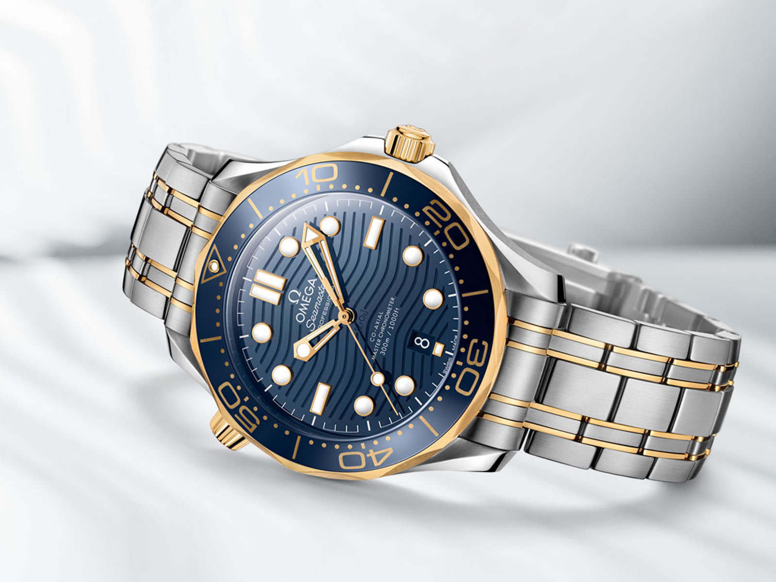 210-20-42-20-03-001-omega-seamaster-diver-300m-collection-3-.jpg