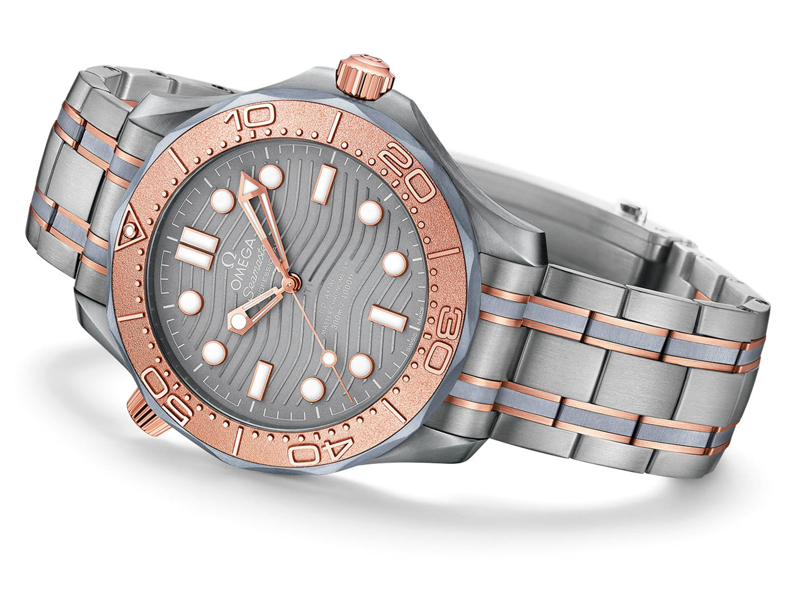 210-60-42-20-99-001-omega-seamaster-diver-300m-tantalum-1.jpg