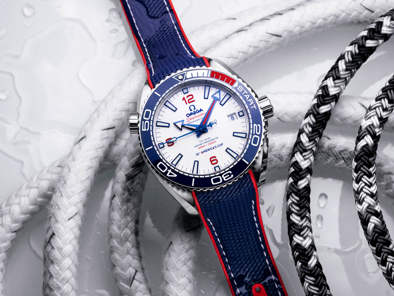 215-32-43-21-04-001-omega-seamaster-planet-ocean-36th-america-s-cup-2.jpg