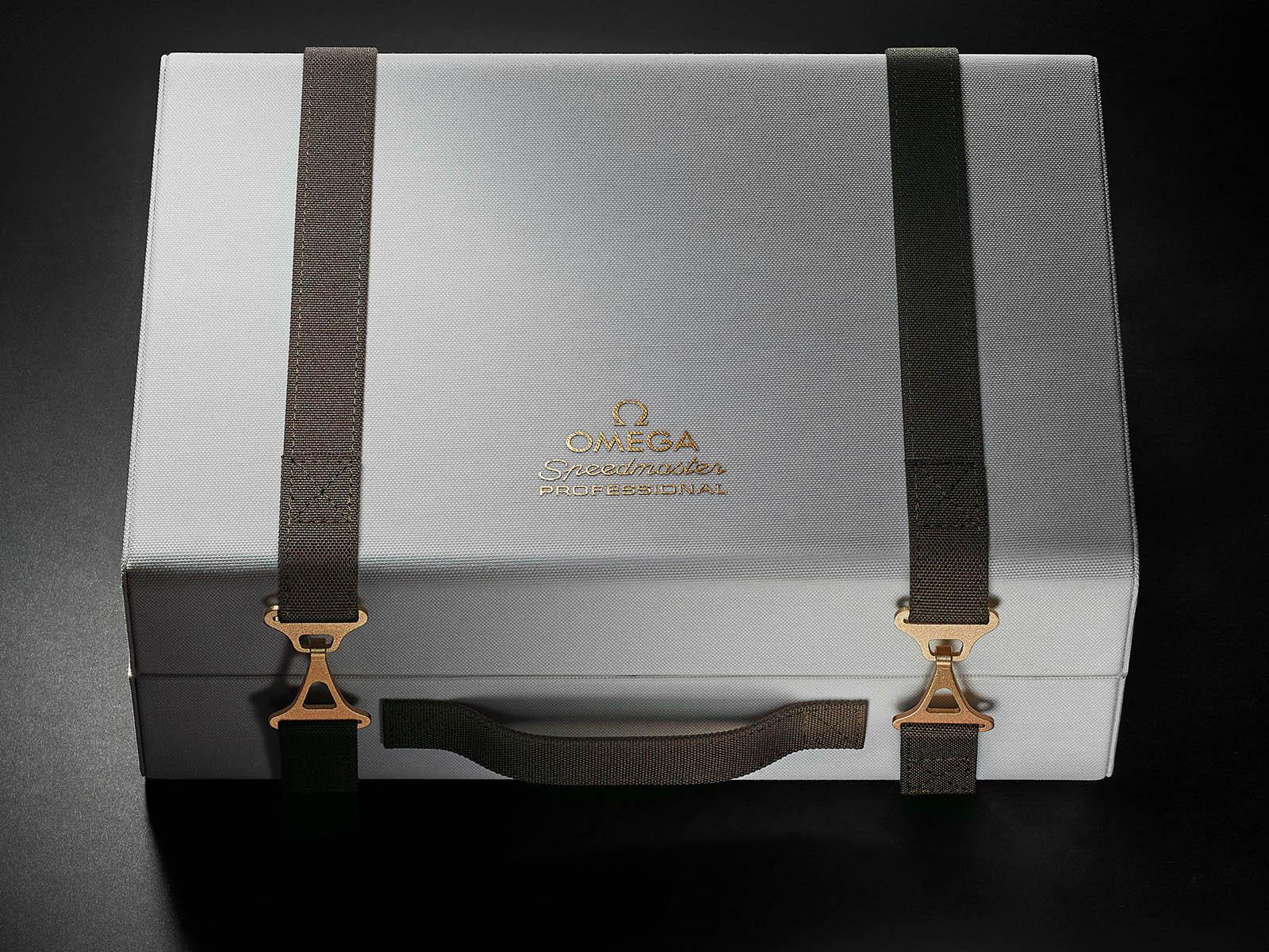 310-20-42-50-01-001-omega-speedmaster-apollo-11-50th-anniversary-limited-edition-6.jpg