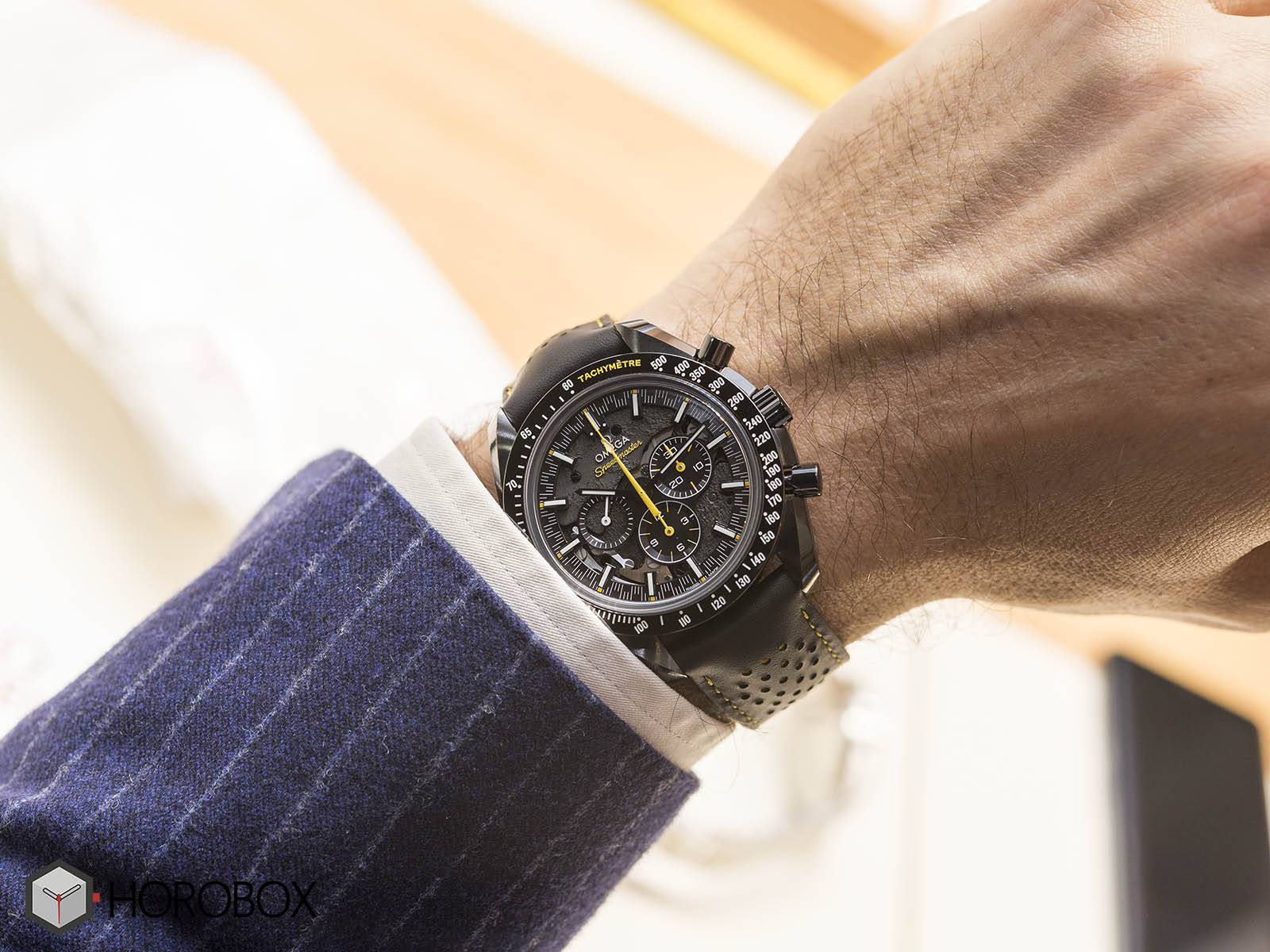 311-92-44-30-01-001-omega-speedmaster-dark-side-of-the-moon-apollo-8-10.jpg
