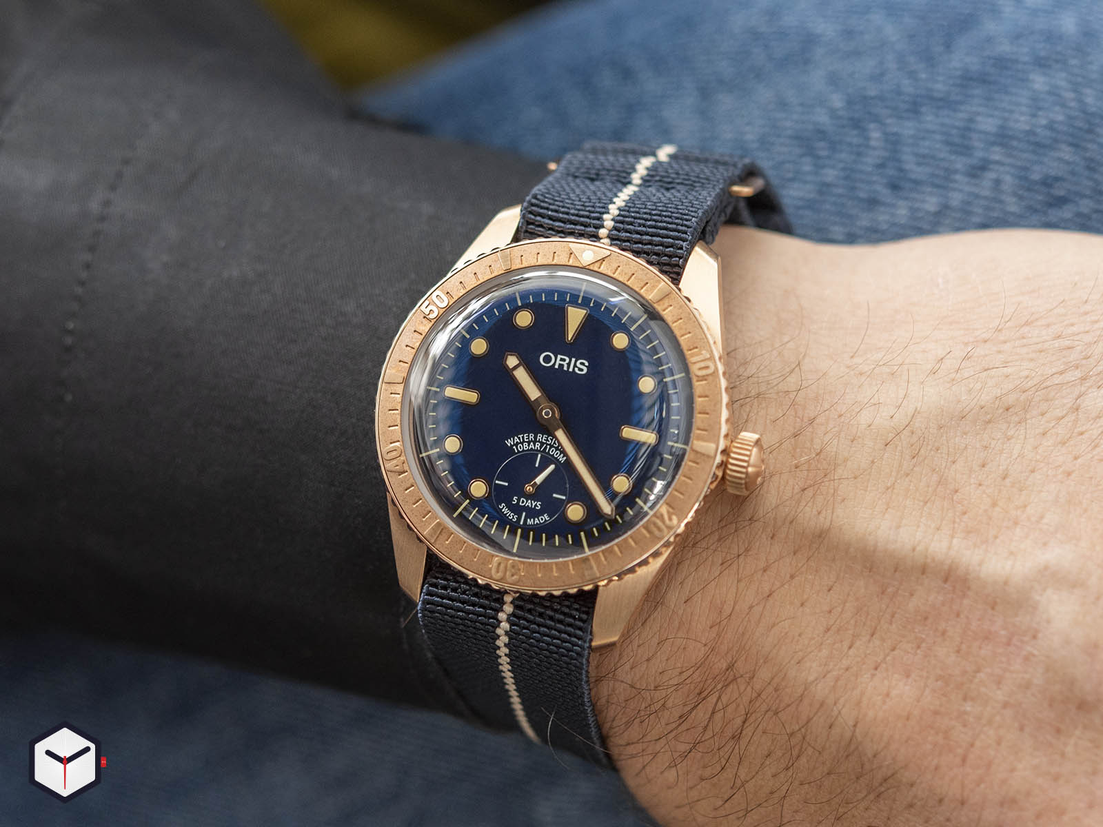 01-401-7764-3185-oris-carl-brashear-calibre-401-limited-edition-8.jpg